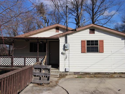 Photograph of 601 1/2 Evans Dr, Middlesboro, KY 40965