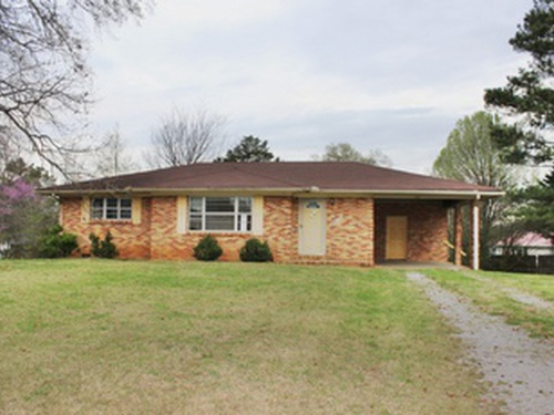 Photograph of 159 E Main St, Falkville, AL 35622
