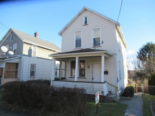 Photograph of 384 Stone St, Johnstown, PA 15906