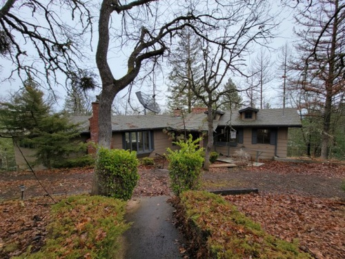 Photograph of 200 Timberlake Dr, Ashland, OR 97520