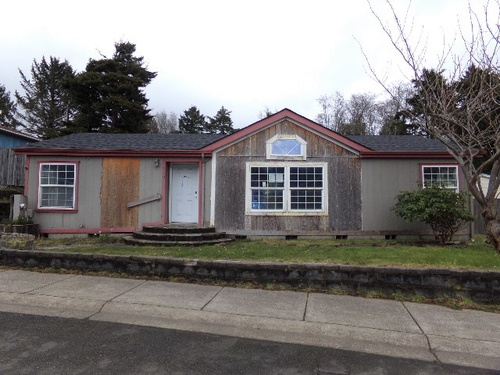 Photograph of 410 SE Neptune Ave, Lincoln City, OR 97367