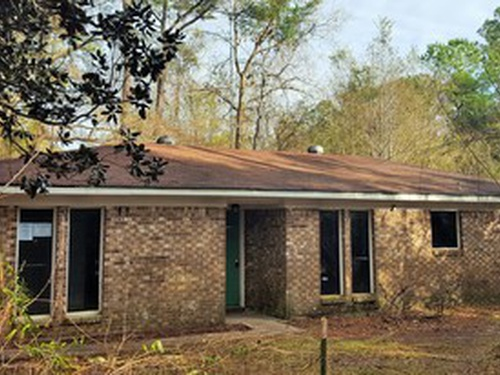 Photograph of 11912 Forest Crest Ln, Vancleave, MS 39564