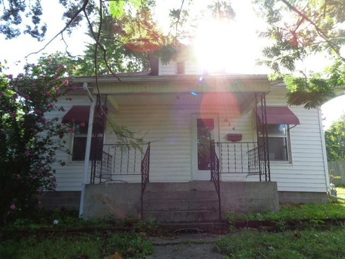 Photograph of 614 Bertley St, Moberly, MO 65270