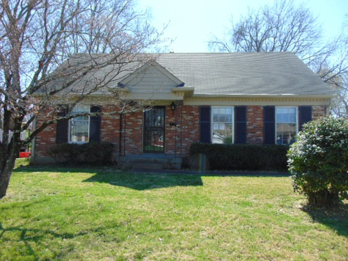 Photograph of 2817 Dell Brooke Ave, Louisville, KY 40220