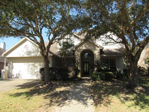 Photograph of 913 Mystic Village Ln, Seabrook, TX 77586