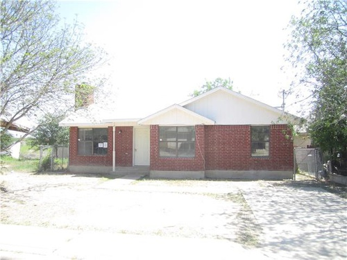 Photograph of 70 Marco Dr, Eagle Pass, TX 78852