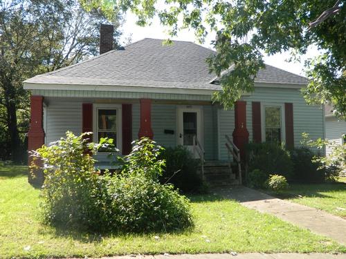 Photograph of 205 N Yadkin Ave, Spencer, NC 28159