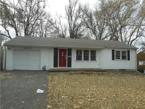 Photograph of 4317 SW Drury Ln, Topeka, KS 66604