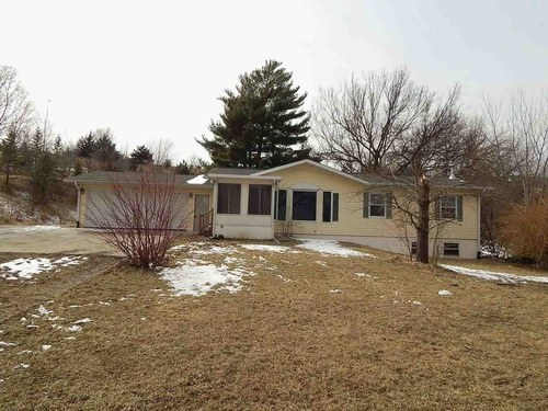 Photograph of 1043 S 5th Ave, Decatur, NE 68020