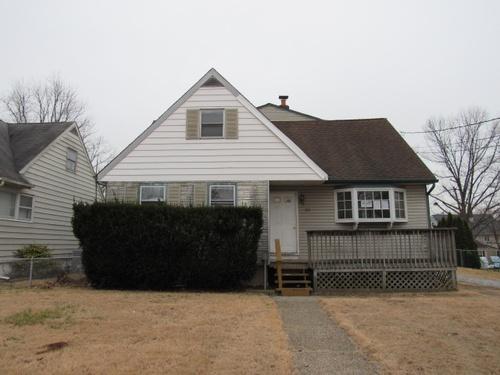 Photograph of 335 Hendrickson Ave, Woodbury, NJ 08096