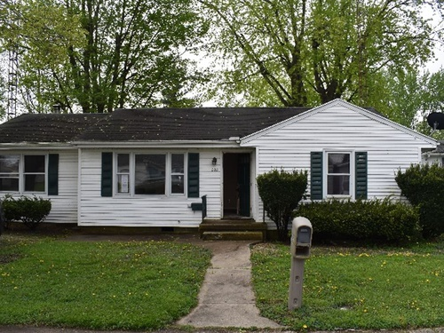 Photograph of 203 E School St, Centerville, IN 47330
