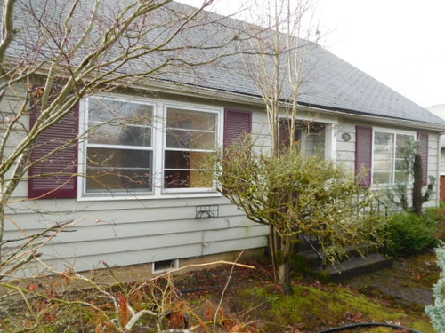 Photograph of 370 Harrison St, Woodburn, OR 97071
