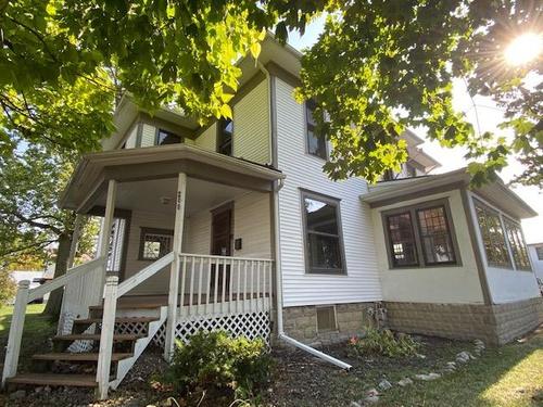 Photograph of 200 E Edgerton St, Hicksville, OH 43526