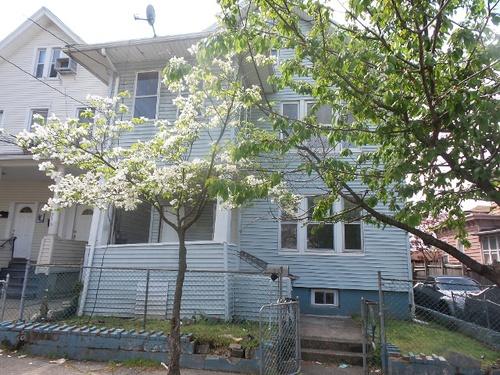 Photograph of 714 E 25th St, Paterson, NJ 07504