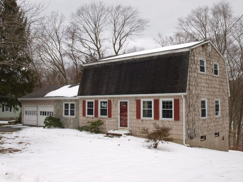 Photograph of 5 Grandview Ct, Norwich, CT 06360