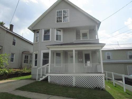Photograph of 26 Oak Ave, Carbondale, PA 18407