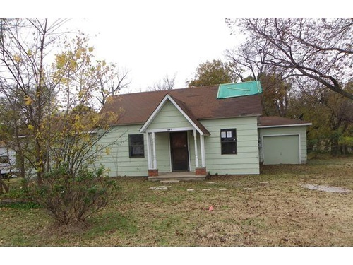 Photograph of 202 S 7th St, Noble, OK 73068