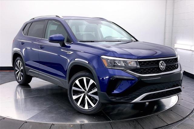 new 2022 Volkswagen Taos car, priced at $30,454