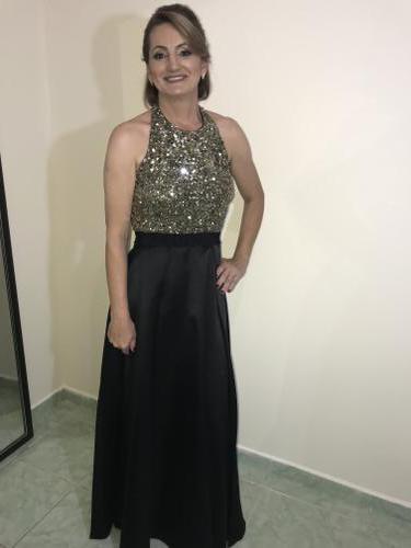 Muito obrigado a toda a equipe da Dress & Co pela atenção e carinho no atendimento. Adorei meu vestido, a festa foi um sucesso e fui muito elogiada pela elegância. Expectativas alcançadas.