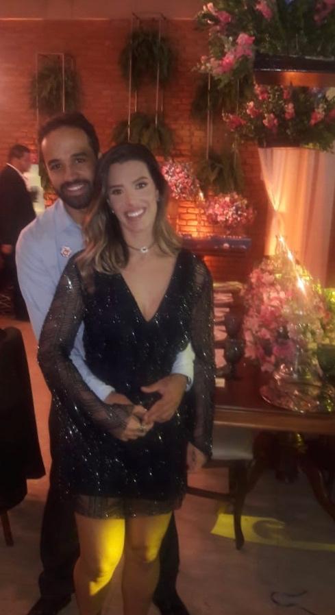 Excelente atendimento, chegou na data estipulada e o vestido é lindo! Parabéns equipe Dress and Go!