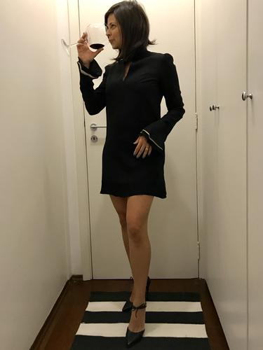 O vestido é realmente sensacional, caimento e tecido maravilhoso, amei e quero usar mais vezes de tão lindo!