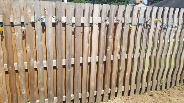 Fence: Wood
