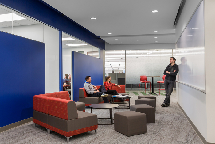 Polaris Industries} Office Photo