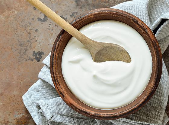 Comment remplacer les matières grasses par le yogourt dans vos recettes