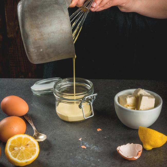 Comment réussir votre sauce hollandaise pour votre prochain brunch arrosé