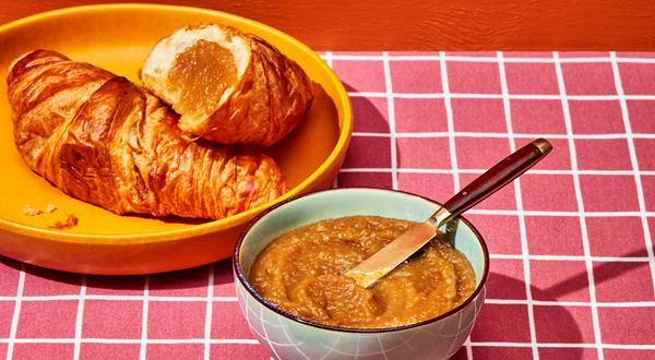Beurre de pommes au miel et à la cannelle