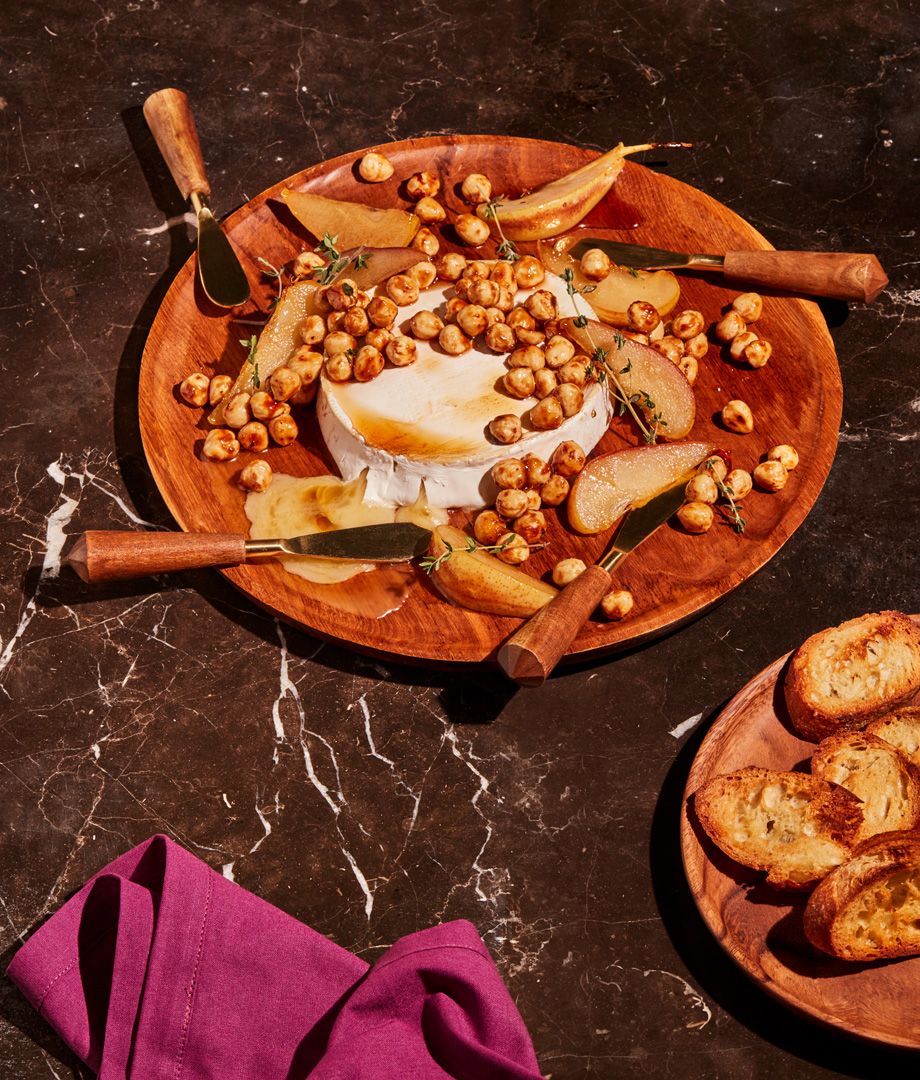 Camembert d'ici aux poires et aux noisettes caramélisées