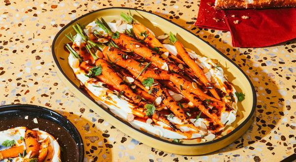Carottes rôties au labneh et beurre épicé