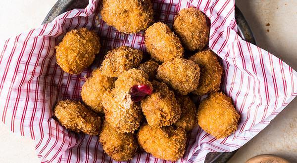 Croquettes de dinde et sauce à la canneberge
