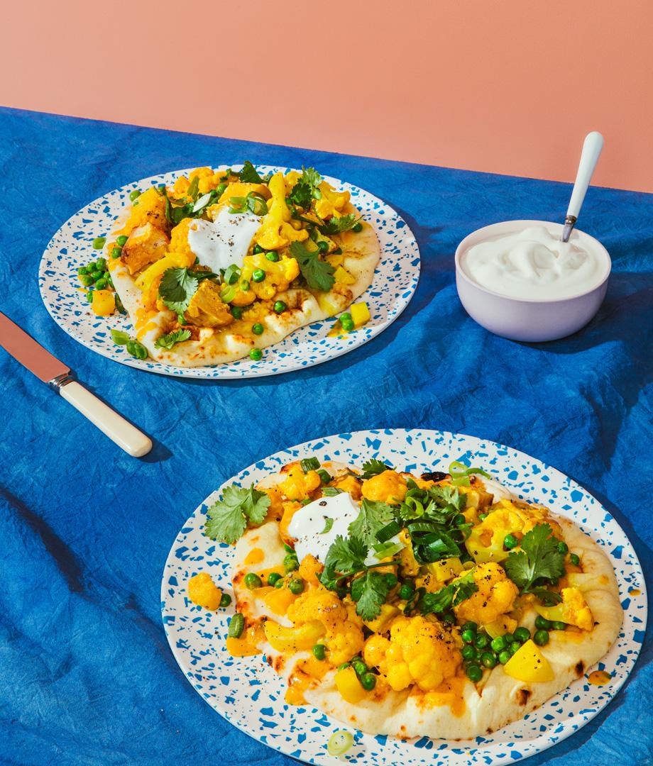 Curry de dindon et de légumes sur naan