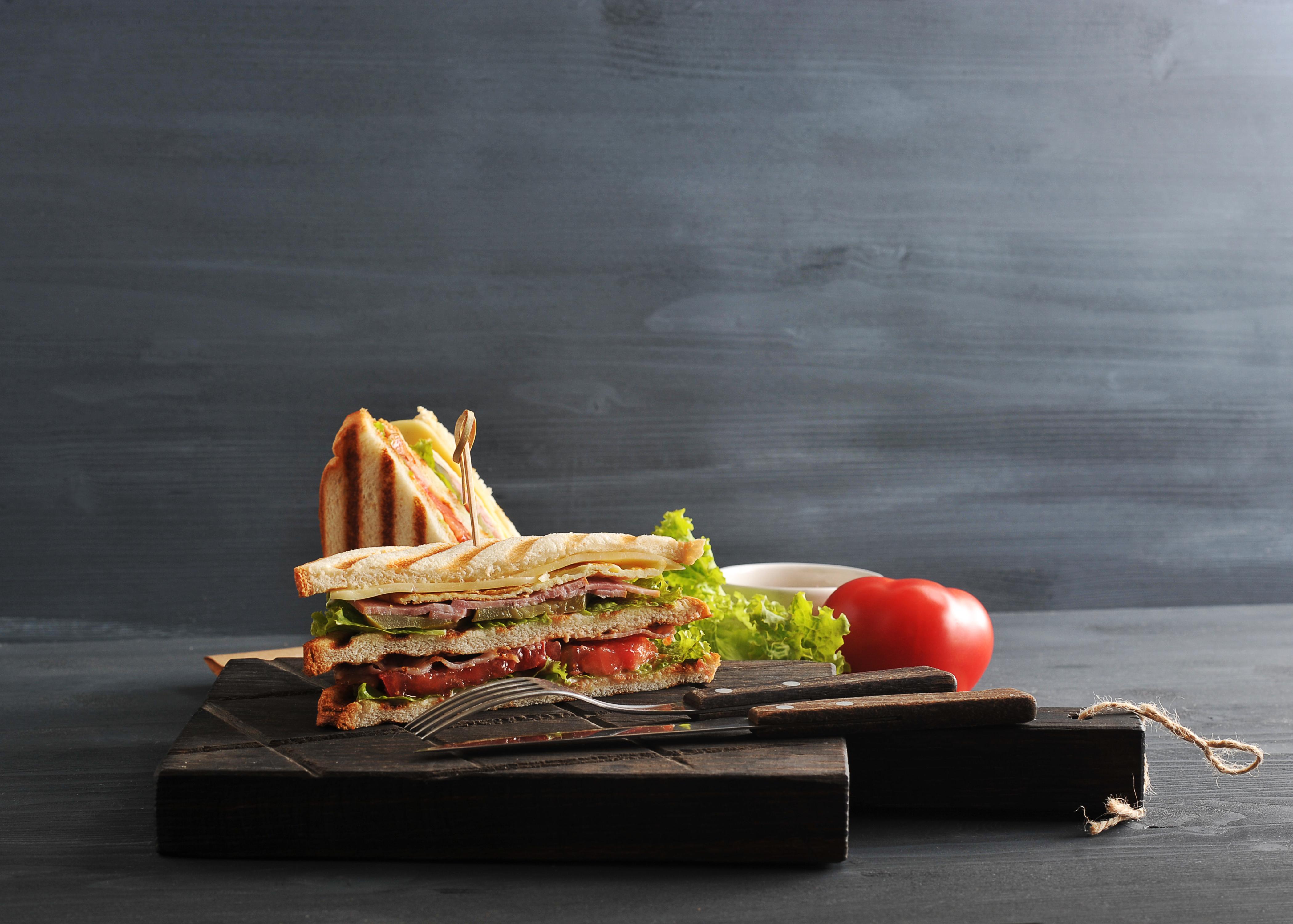 Club sandwich au filet de porc et fromage