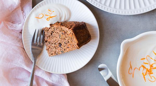 Gâteau aux carottes sucré aux dattes
