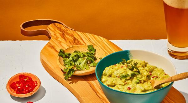 Guacamole crémeux à la banane et aux poivrons