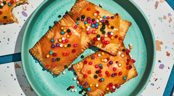 Pop Tarts aux pommes et glaçage au sucre à la crème maison