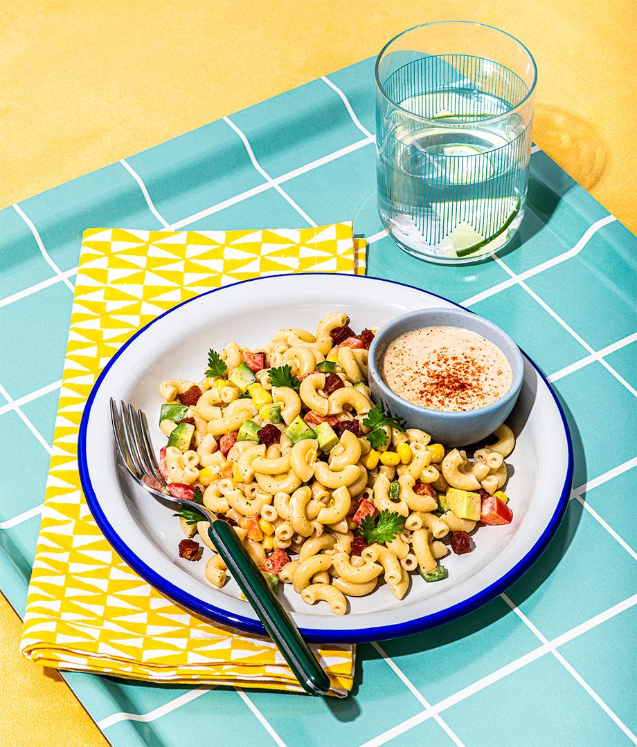 Salade de macaroni à la pancetta et maïs