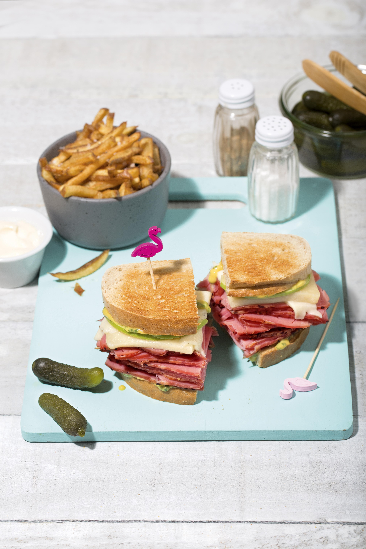 Sandwich à la viande fumée et au fromage