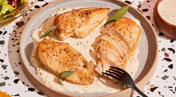Sauce pour pâtes crémeuse à l'échalote et à la sauge