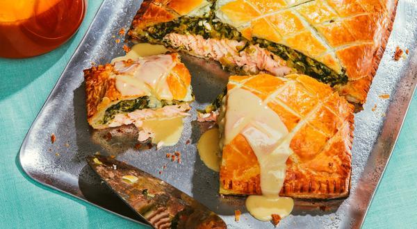 Saumon Wellington aux fromages et beurre blanc