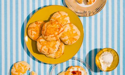 Scones au fromage, figues et fenouil