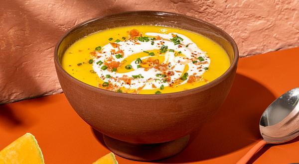 Soupe froide au cantaloup et crumble de prosciutto