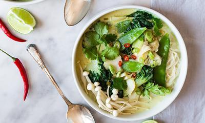 Soupe-repas de poisson et cari vert