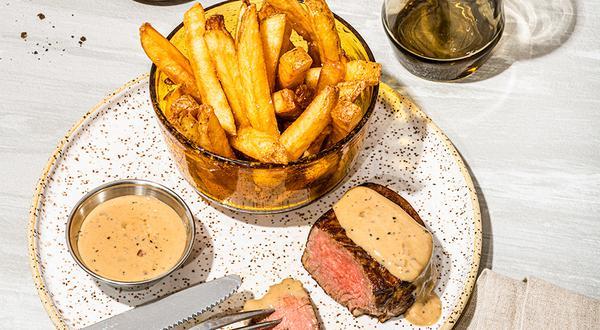 Steak à la sauce au poivre et brandy