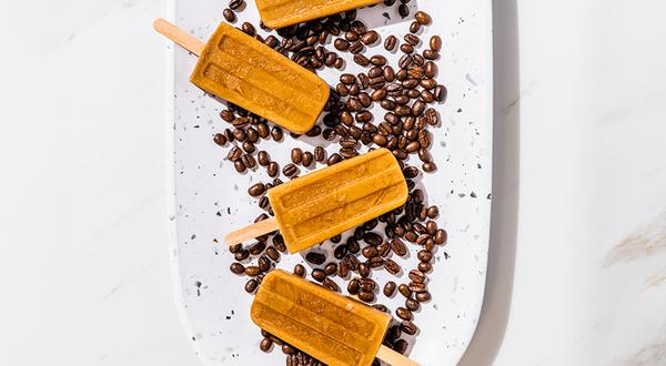 Sucettes glacées au café et sirop d'érable