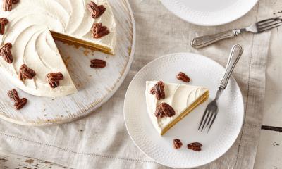 Gâteau à la patate douce, crème au beurre et aux épices