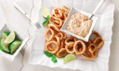 Calmars frits et trempette à la lime et au piment chipotle