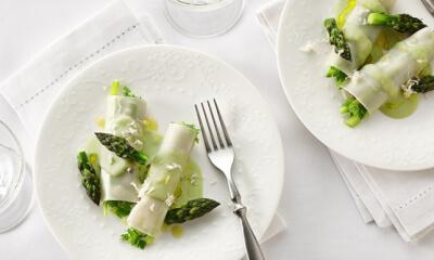 Cannellonis d'asperge, crème au cerfeuil, râpé de raifort